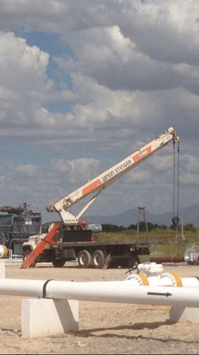 grua titan terex stinger tc4792 23.5 ton