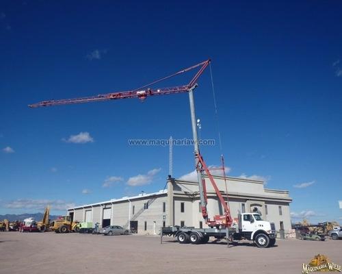 grua torre montada sobre camion sterling grua 15 mt.