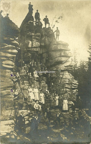 grupo de personas alpinismo nenes con guitarras foto antigua