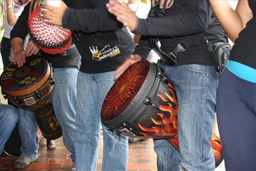 grupo de tambor show tambhora loca, tambores