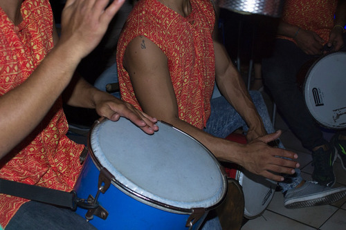 grupo de tambores - tambor & ritmo