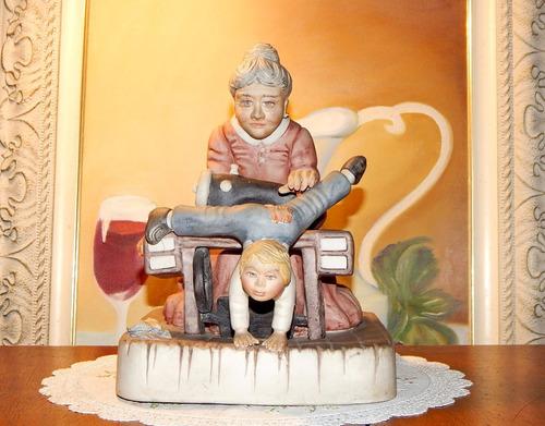 grupo escultórico capodimonte - costureira e menino