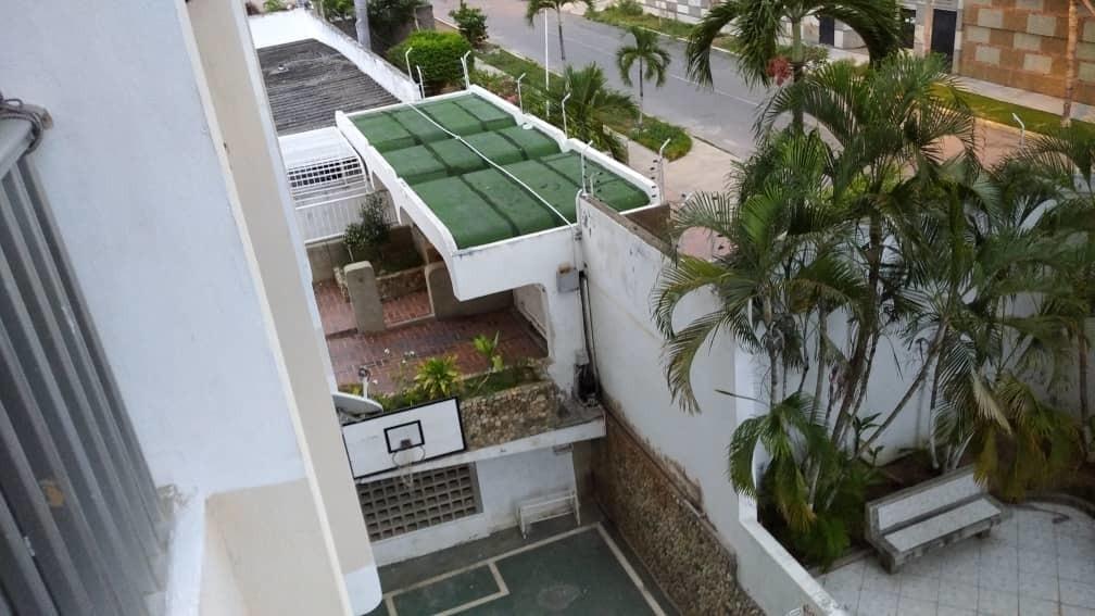 grupo inmobiliario acres vende apto la guaira tanaguarena br