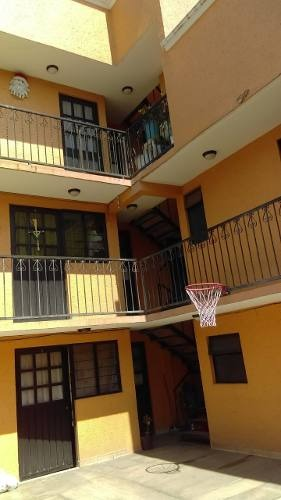 guadalupe victoria - edificio 2 niveles con departamentos