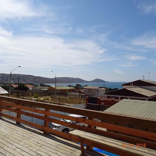 guanaqueros casa  piscina  gran vista al mar  $  150.000