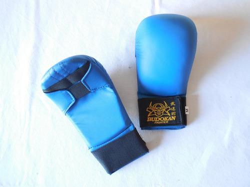 guante de karate rojo y azul budokan sin pulgar