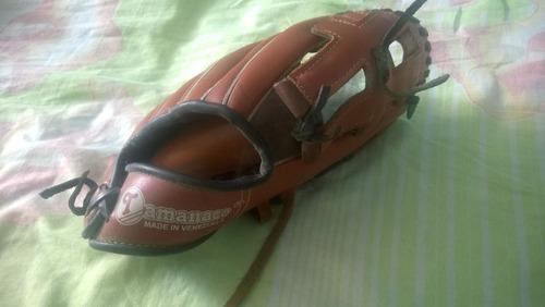 guante y pelota de baseball tamanaco. tamaño: 11 1/2.