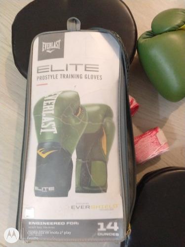 guantes y focos boxeo