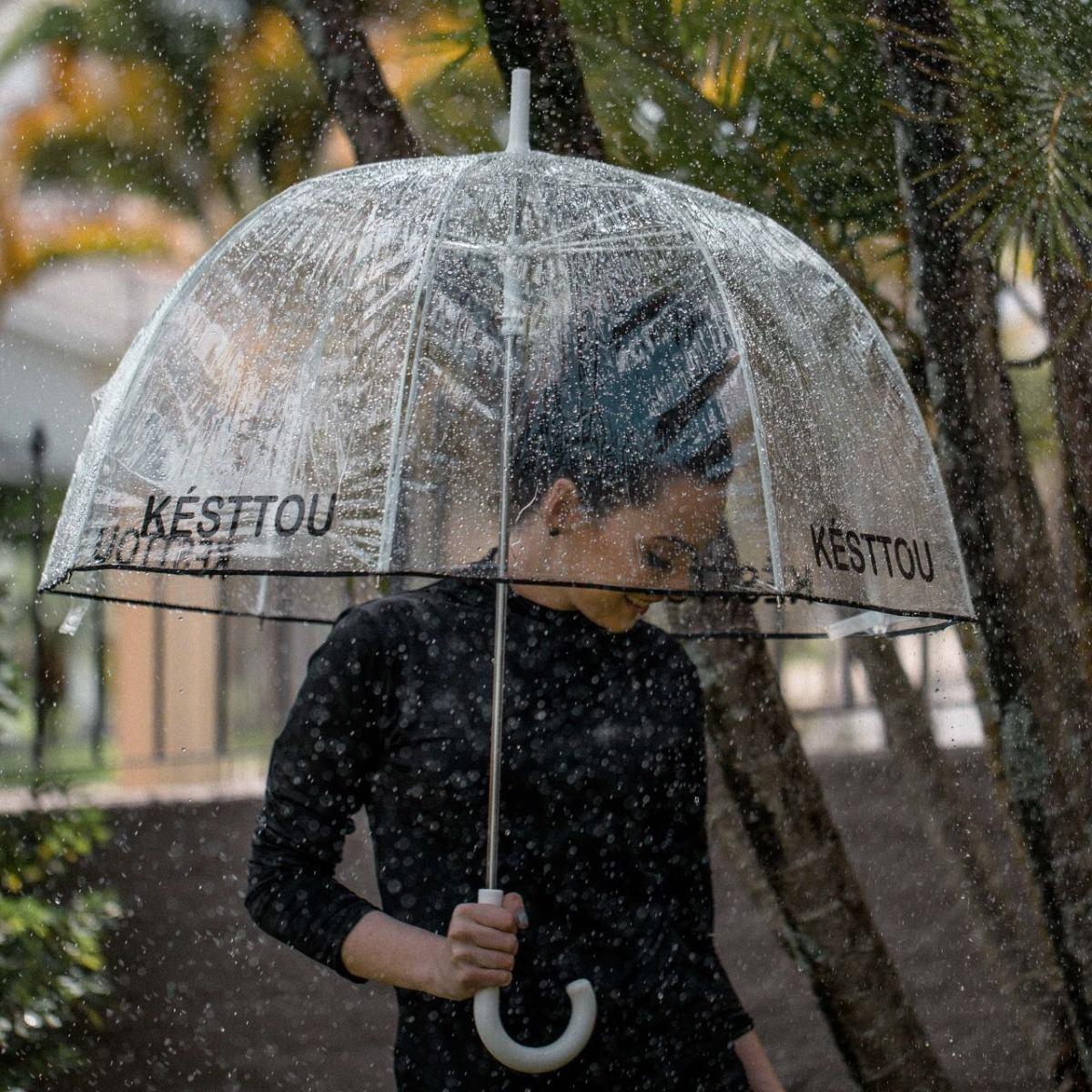 fcc6e48f5 guarda-chuva sombrinha transparente protege penteado késttou. Carregando  zoom.