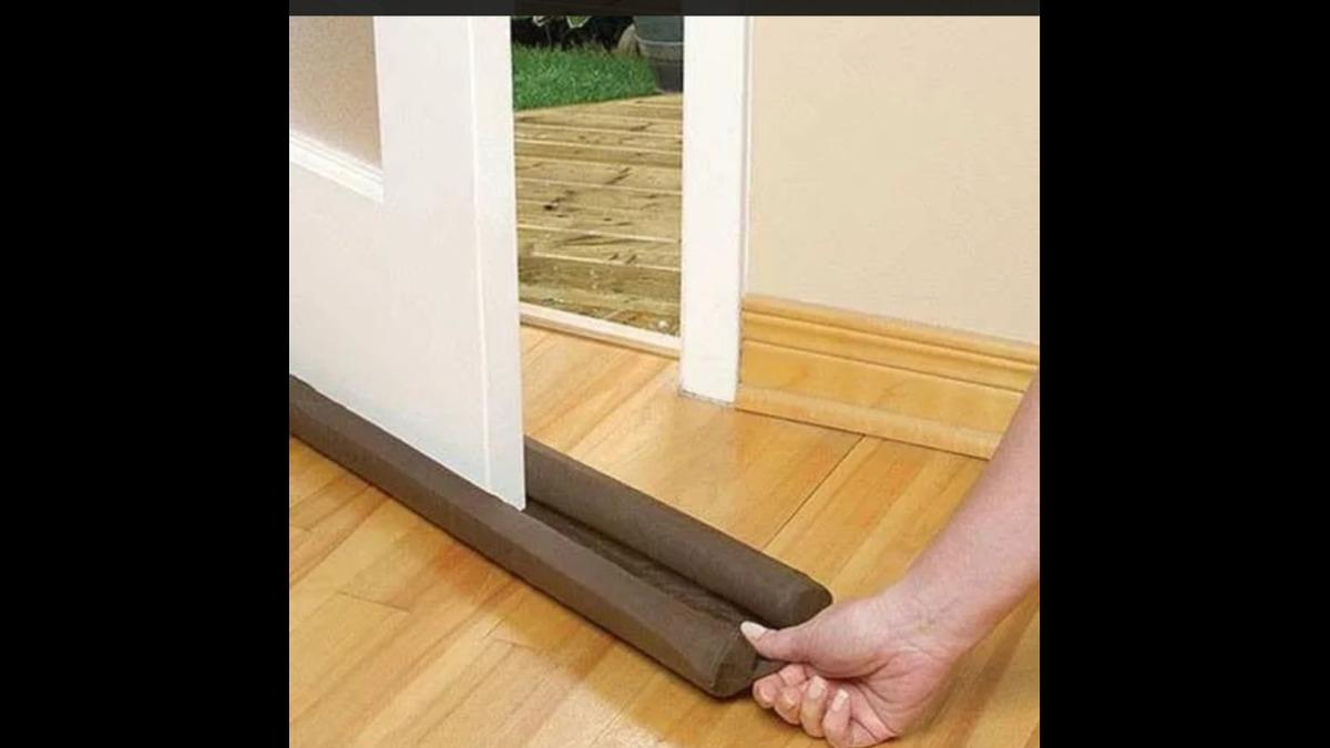 Guarda polvo para puertas sin necesidad de tornillos for Perchas para puertas sin agujeros