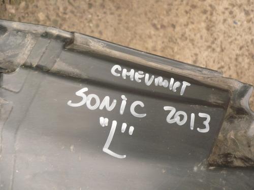 guardafango sonic 2013 del chofer  usado   - lea descripción