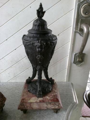 guarnicion francesa de cuerda con copones en peltre y marmol