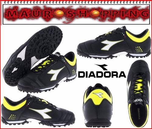 guayos futbol de salon cancha sintetica futsal diadora umbro