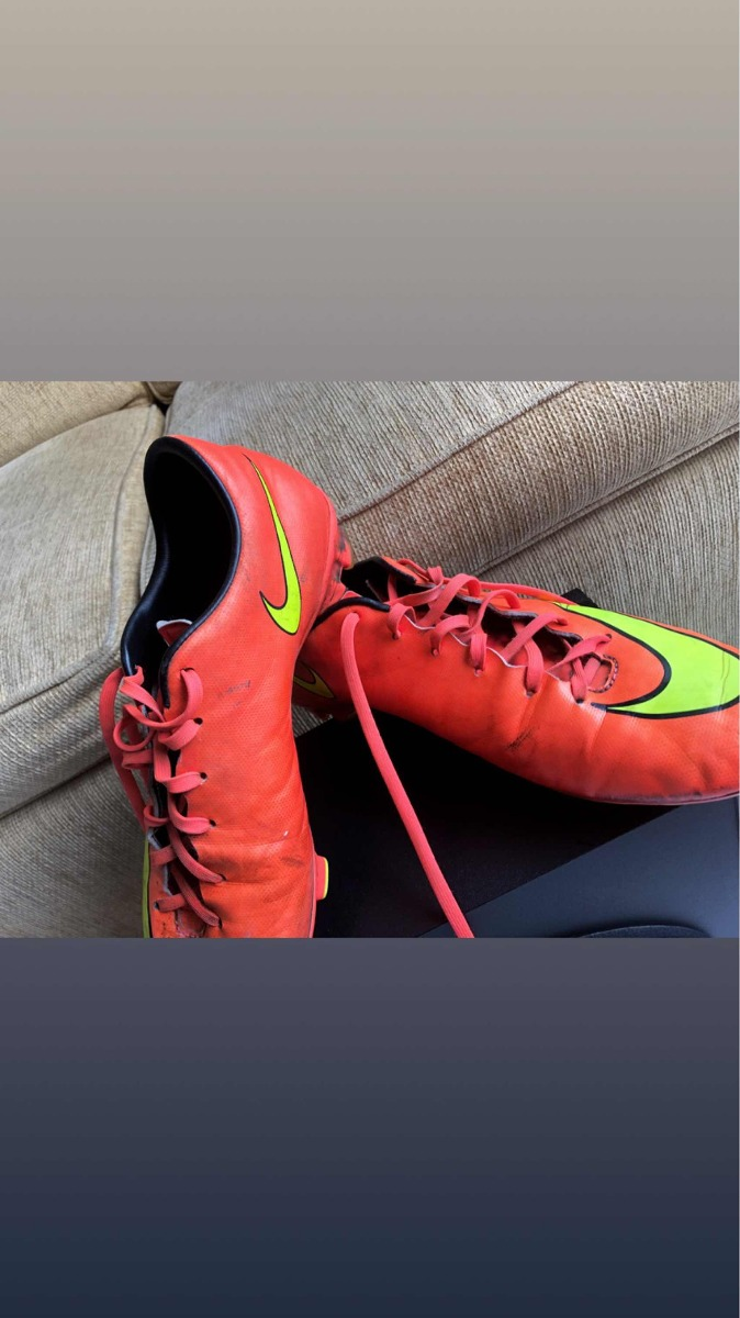Guayos Nike Mercurial Gama Media-alta -   220.000 en Mercado Libre 7a22f02509dd7
