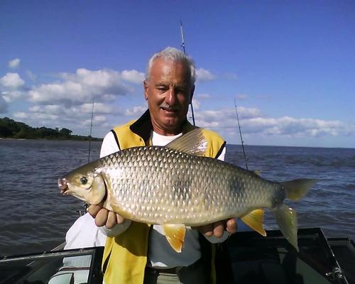 guia de pesca en rio de la plata y costa uruguaya