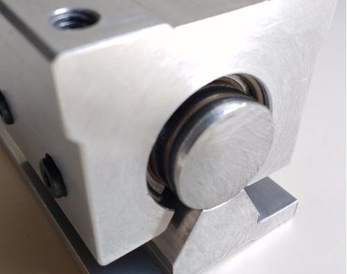 guia linear com eixo retificado 20mm