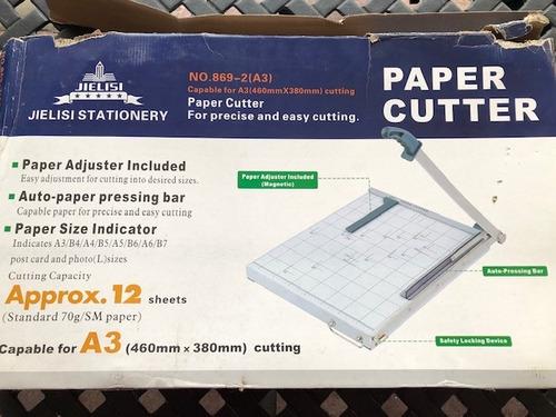 guillotina paper cutter