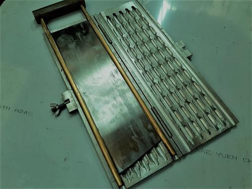 guillotina para granos de cacao