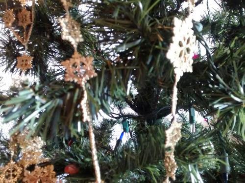 guirnalda dorada tipo cadena para decorar