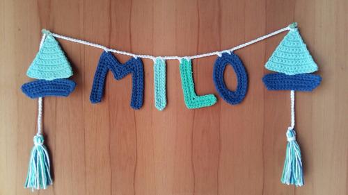 guirnalda tejida a crochet 4 letras con adorno velero