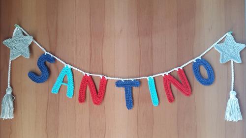 guirnalda tejida a crochet 7 letras con adorno estrellas