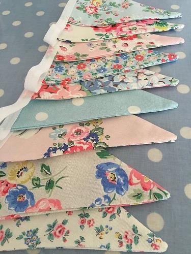 guirnaldas de banderines el telas de colores lisas