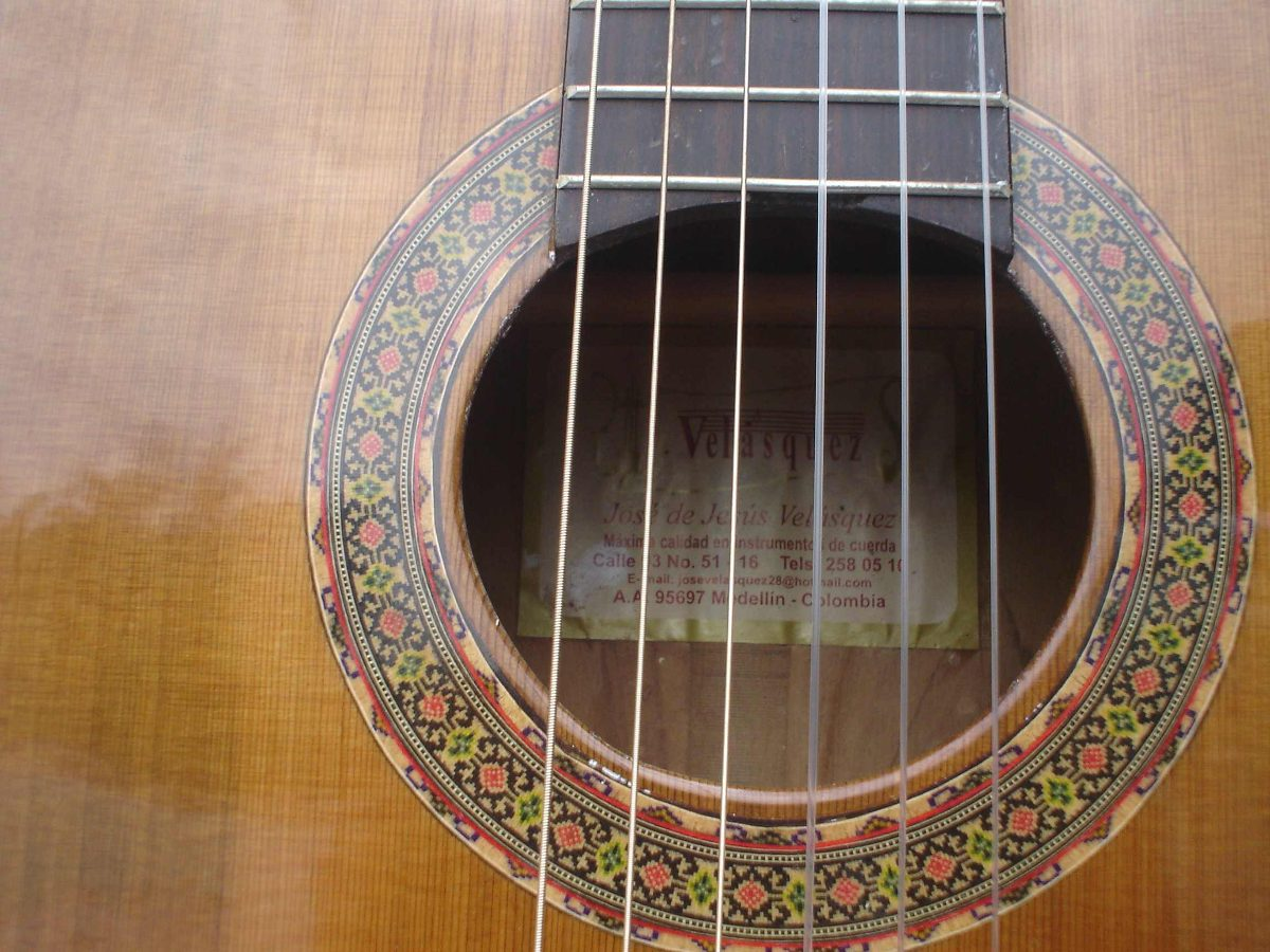 Guitarra acustica luthier jos vel cl sico for Luthier guitarra electrica