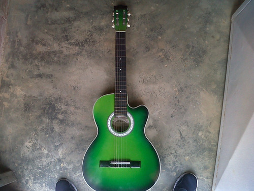 guitarra acustica semicorchea de 6 cuerdas