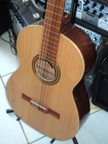 guitarra acústica semiprofesional falcón clásica.