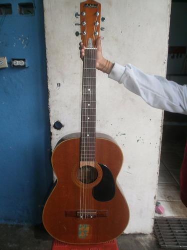guitarra audition con forro de cuero