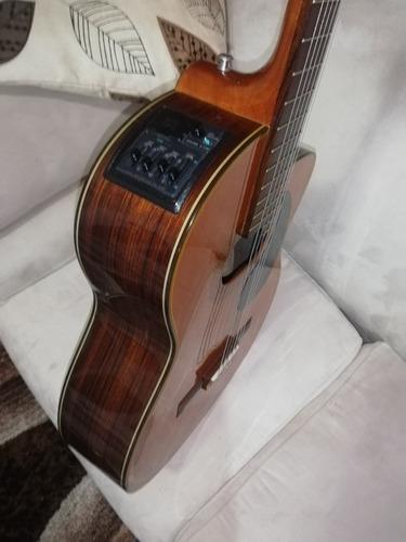 guitarra clásica takamine