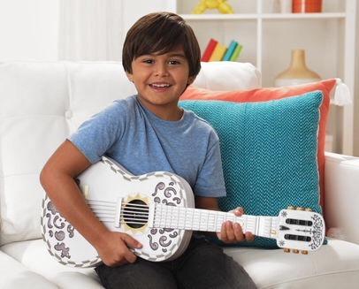 guitarra  de disney store coco  es 100% nueva con sonidos