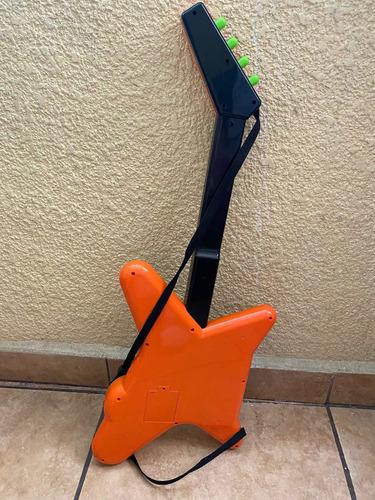guitarra de juguete con sonidos