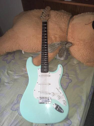 guitarra electrica con amplificador