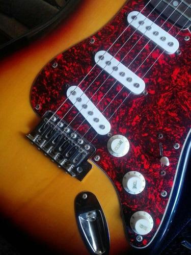 guitarra electrica fender squier strat como nueva