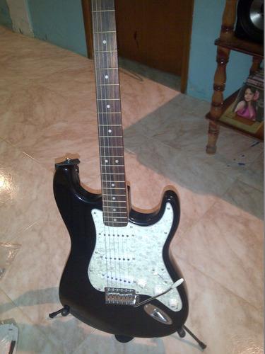 guitarra electrica fender.. totalmente nueva