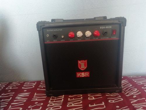 guitarra eléctrica kaiser con amplificador
