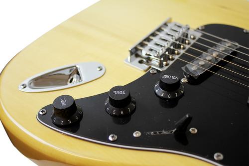 guitarra electrica rmc tipo strato color natural