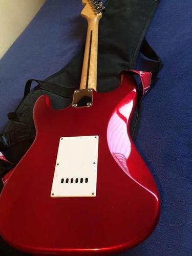 guitarra eléctrica squier strat by fender
