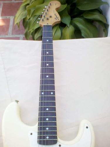 guitarra fender squier stratocaster