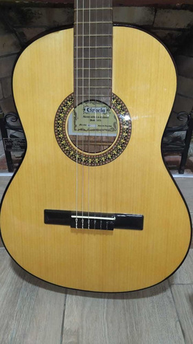 guitarra gracia m9