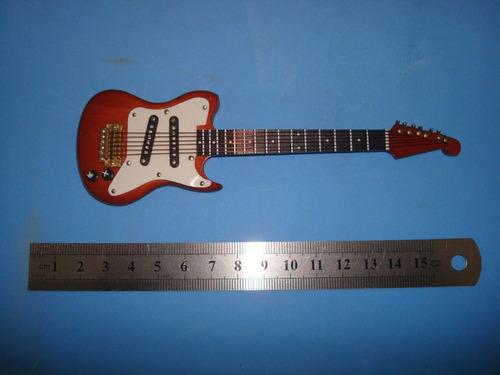 guitarra instrumentos musicais
