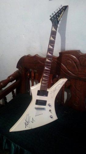 guitarra jackson firmada por miembros de saratoga, en venta