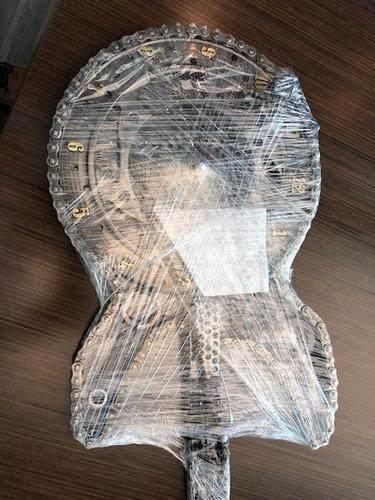 guitarra reloj hecha a mano con cadenas y partes