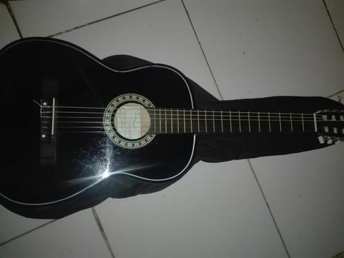 guitarra seminueva en buen estado aranjuez, con funda yamaha