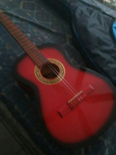 guitarra valdez en exelente estado