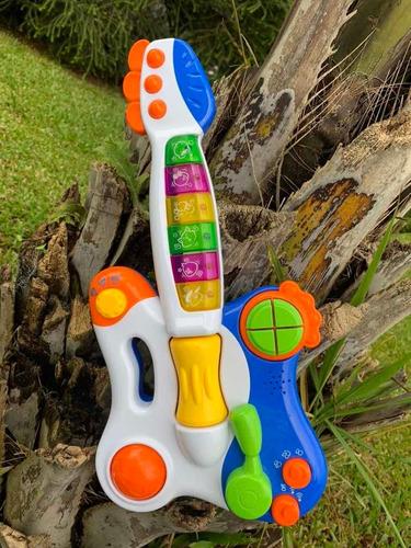 guitarras de juguete con luces y melodías