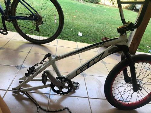 gw, sin ruedas