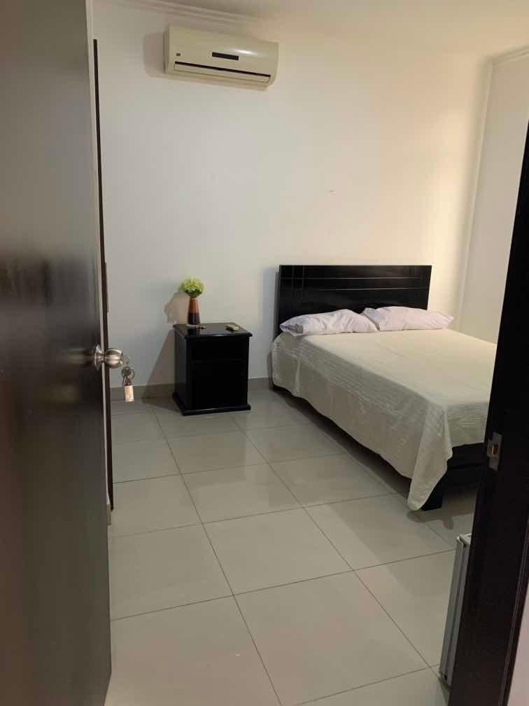 habitación amoblada con baño privado sector norte