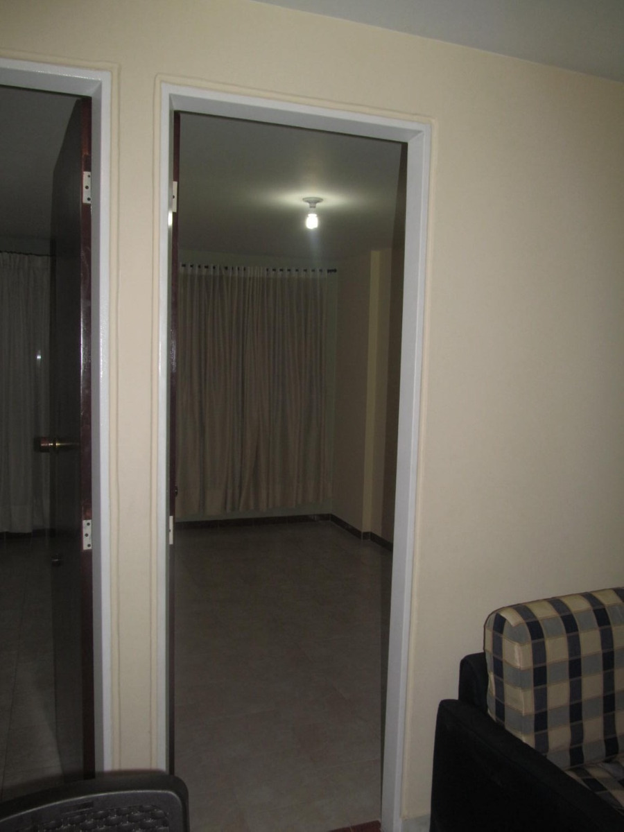 habitación cómoda para señorita sola ambiente familiar